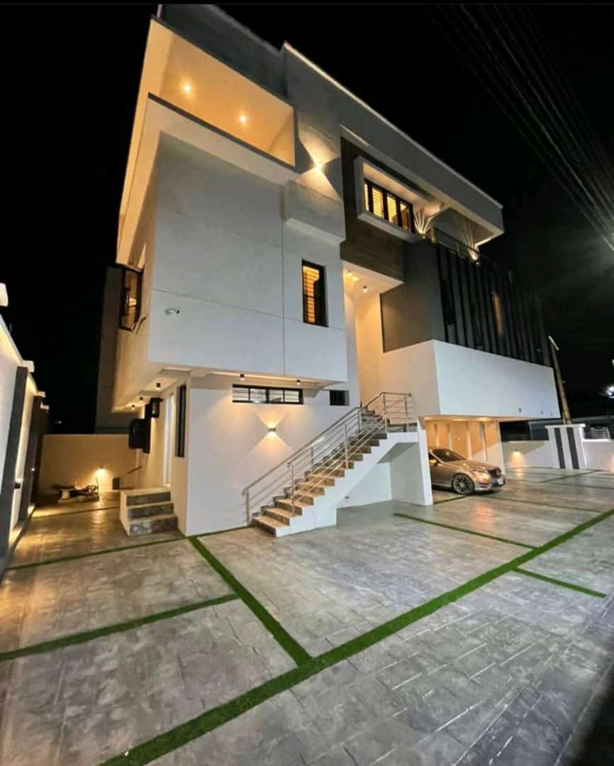 LUXURIOUSLY FINISHED - 5 BEDROOM DETACHED DUPLEX IN OMOLE PHASE 1