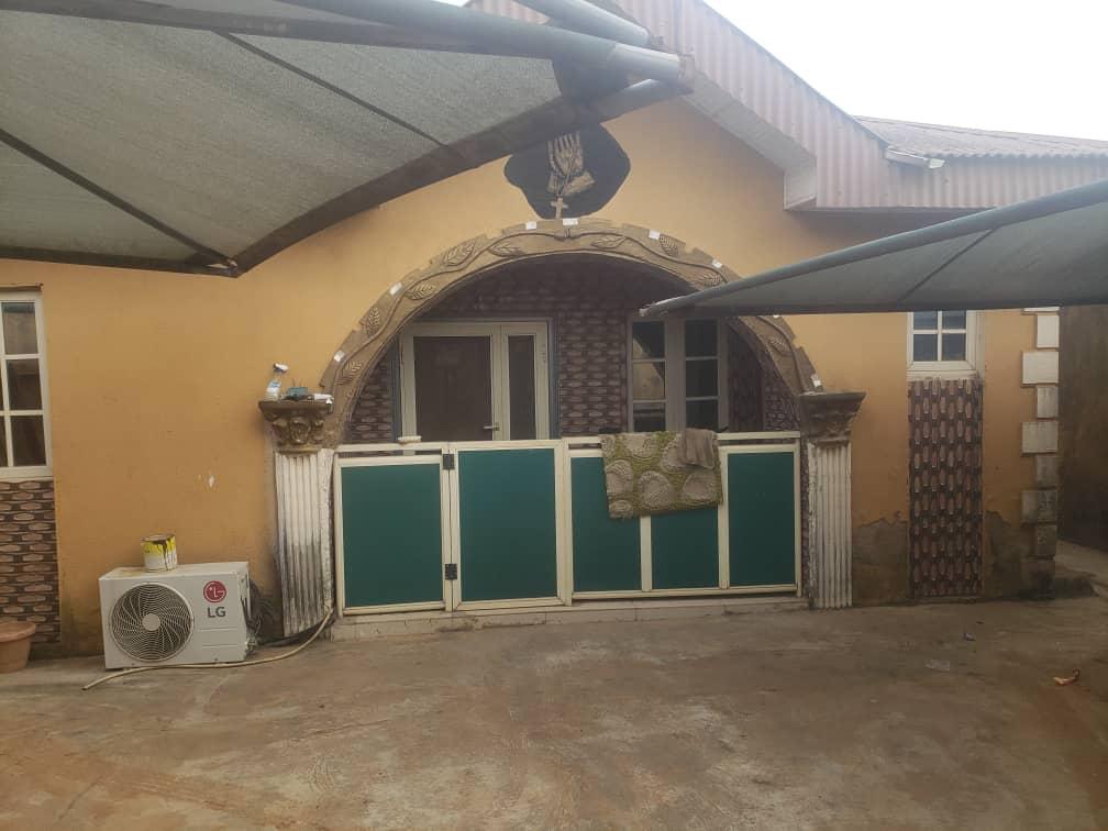 FOR SALE - EXQUISITE 3 BEDROOM BUNGALOW AROUND AHMADIYYAH, ABULE EGBA, LAGOS